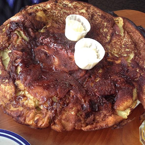 Dinah's Apple Pancake